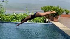 Mukti Mohan ने बिकिनी पहन पूल में लगाई लंबी छलांग, मछली जैसे पानी में छपाक सी गिरीं, देखें Video