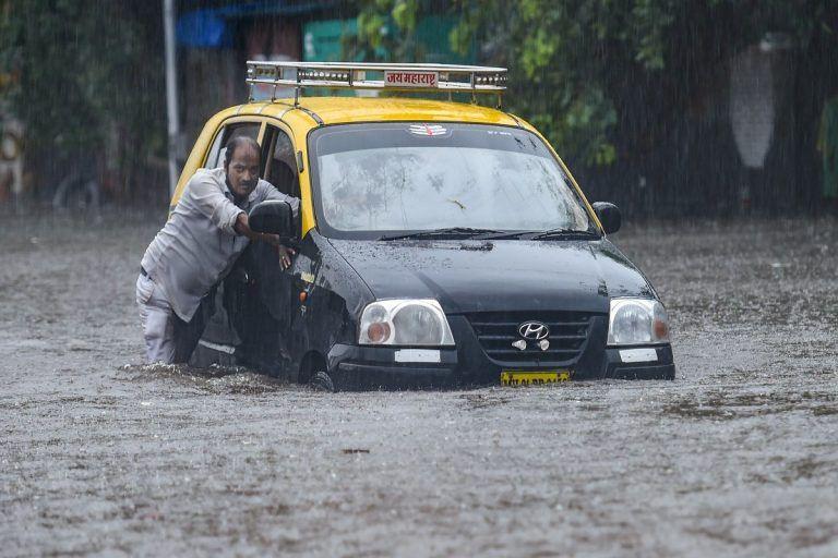 Mumbai Rain Alert: मुंबईसाठी Red Alert, पुढील 4 दिवस मुसळधार पावसाचा इशारा