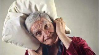 रात में नींद ना आने के कारण बुजुर्गों में पागलपन और मौत का खतरा होता है अधिक