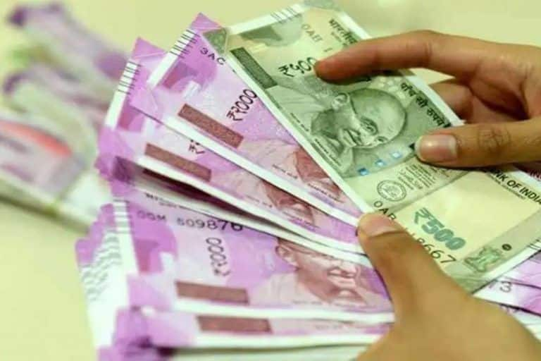 Salary of Central Govt Employees to Increase by Rs 4500 as Centre Grants Children Education Allowance