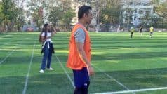 बॉलीवुड एक्टर रणवीर सिंह के साथ फुटबॉल खेलते दिखे MS Dhoni, देखें तस्वीर