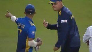SL Coach Mickey Arthur Lashes Out at Dasun Shanaka | Watch Video