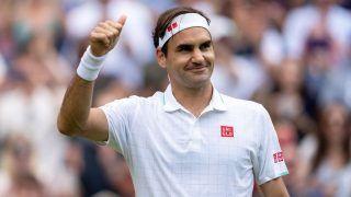 Roger Federer Reacts After Becoming Oldest Man in Open Era to Reach Wimbledon Quarter-Final