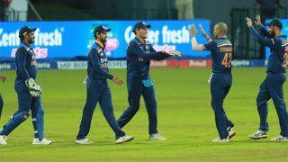 IND vs SL: श्रीलंका दौरे से भारत वापस लौटी टीम इंडिया, कोरोना पीड़ित 3 खिलाड़ी वहीं रुके