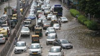 Delhi Traffic Alert: Heavy Rains Cause Waterlogging in Parts of City. Know Which Roads to Avoid
