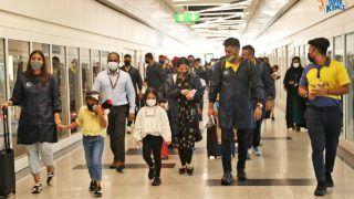 MS Dhoni वाइफ और बेटी के साथ पहुंचे UAE, सोशल मीडिया पर तस्वीर Viral