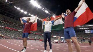 Neeraj Chopra Gold Medal: नीरज चोपड़ा ने खत्म किया 100 साल लंबा इंतजार, पहली बार एथलेटिक्स में कोई मेडल जीता भारत