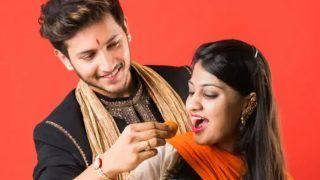 Raksha Bandhan 2021: इस रक्षा बंधन गिफ्ट देने के बजाय बहन से करें ये 4 वादे, हो जाएंगी खुश