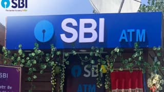 Floating ATM on Houseboat: SBI Offers Big Gift to Locals, Tourists in Srinagar | Deets Inside