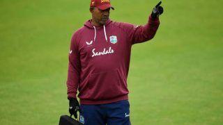 Pakistan ने छीना 'गोल्डन चांस', West Indies के कोच Phil Simmons ने बल्लेबाजों को लताड़ा