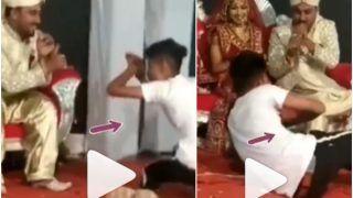 Viral Video: Groom's Friend Breaks Into Naagin Dance on Wedding Stage, Bride Left Amused | Watch