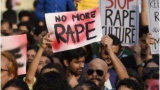 Karnataka: मेडिकल की पढ़ाई कर रही UP की छात्रा से गैंगरेप, आरोपियों ने बॉयफ्रेंड को भी बेरहमी से पीटा; CM ने दिये जांच के आदेश