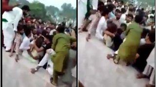 Viral Video: लाहौर में महिला टिकटॉकर से अश्लील हरकत, सैकड़ों की भीड़ ने हवा में उछाला | वायरल हो रहे ये वीडियो