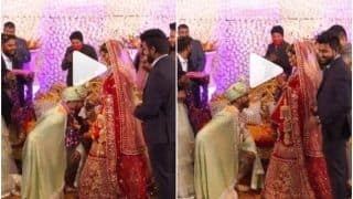 Viral Video: Groom Kneels & Bows Down His Head Infront of The Bride During Varmala Ceremony   Watch