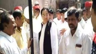 Viral Video: Samajwadi Party MP Forgets National Anthem, Quickly Moves on to 'Jai Hai' | WATCH