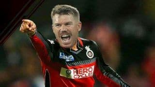 'Warner For RCB Captain' - Twitterverse Want Aussie Star to Replace Kohli After SRH Drop Him