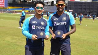 India likely to pick ishan kishan prithvi shaw as reserves along with one spinner along with 15 players in the t20 world cup report 4927889