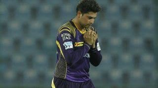 IPL 2021: घुटने की चोट के बाद यूएई से लौटे कुलदीप यादव; घरेलू सीजन से हो सकते हैं बाहर