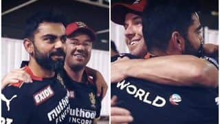 AB de Villiers-Virat Kohli's Bromance During RCB's Training Session in UAE Ahead of IPL 2021 Clash With KKR Goes Viral | WATCH VIDEO