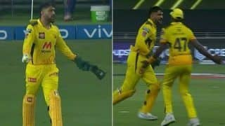 IPL 2021: MS Dhoni Gets Angry, Loses Cool At Dwayne Bravo After Catch Drop Against MI in Dubai | WATCH VIDEO