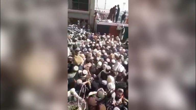 Deadly Stampede at Spin Boldak-Chaman Border As Many Try to Flee Afghanistan; One Death Reported