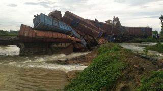Indian Railways/IRCTC: ओडिशा में बेपटरी हुई मालगाड़ी, नौ डिब्बे पलट गए, इस रूट की 12 ट्रेनें रद्द, देखें List