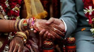 Newly-Wed Bride Sends Groom to Bring Water, Runs Away With Cash & Jewelry in UP's Mainpuri