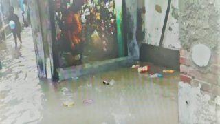 भारी बारिश से यूपी के कई शहरों में जनजीवन अस्त-व्यस्त, लखनऊ में सड़क से घरों तक भरा पानी, देखें तस्वीरें...