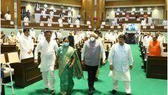 गुजरात विधानसभा की पहली महिला स्पीकर बनीं निमाबेन आचार्य, ऐसे हुआ स्वागत