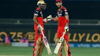 IPL 2021 RCB vs RR: Glenn Maxwell And Bowlers Inspire Royal Challengers Bangalore to Thrash Rajasthan Royals by 7 Wickets