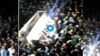 J&K: श्रीनगर में शहीद सब-इंस्पेक्टर का शव कुपवाड़ा में पहुंचा, लोगों का उमड़ा आक्रोश