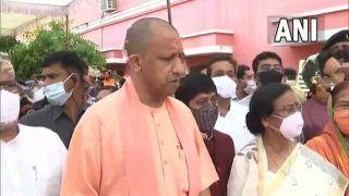 UP News: दुर्गा पूजा पर योगी सरकार की कड़ी नजर, कानून व्यवस्था बनाए रखने के दिशा-निर्देश किए जारी