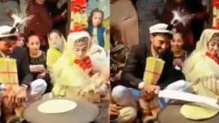Viral Video: Newly-Wed Bride & Groom Make Roti Together As Part of Kashmiri Wedding Ritual | Watch