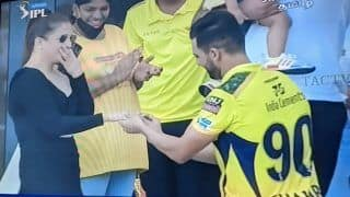 IPL 2021: Deepak Chahar Proposes to His Girlfriend After CSK vs PBKS, Video Goes Viral | WATCH