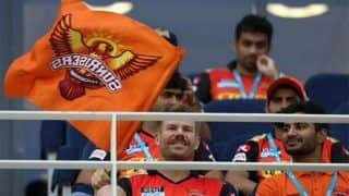 WATCH | Warner Waving SRH Flag From Stands is Will Break Your Heart