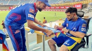 IPL 2021: MS Dhoni Autographs Lalit Yadav's Jersey After DC Beat CSK, Fans Wow Heartwarming Gesture | SEE PIC