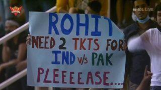 IPL 2021 मैच के दौरान फैन ने रोहित शर्मा से मांगी भारत-पाकिस्तान टी20 विश्व कप मैच की टिकट