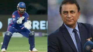 IPL 2021: Rishabh Pant की गलतियों के कारण फंस गई दिल्ली कैपिटल्स: Sunil Gavaskar
