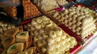 Real vs Fake Mithai: Easy Ways to Find if Sweets You Are Buying Are Pure or Not | Watch Video