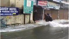 Nainital Lake Overflows Video: सड़क के ऊपर से बह रहा नैनीताल झील का पानी, जनजीवन अस्त व्यस्त