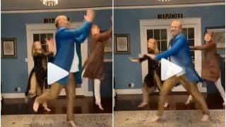 Viral Video: 'Dancing Dad' Ricky Pond Performs Garba With His Kids, Grooves to 'Chogada' to Celebrate Navratri | Watch