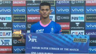IPL 2021: Yashasvi Jaiswal Delighted to Secure MS Dhoni's Signature on His Bat
