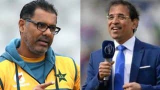 IND vs PAK मैच को सांप्रदायिक रंग देने से वकार यूनिस पर भड़के Harsha Bhogle, 'हिन्दुओं के सामने नमाज...'
