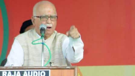 Lok Sabha Election 2014 Results Live: LK Advani leading in Gandhinagar