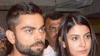 Lovebirds Anushka Sharma and Virat Kohli spotted at Mumbai Airport