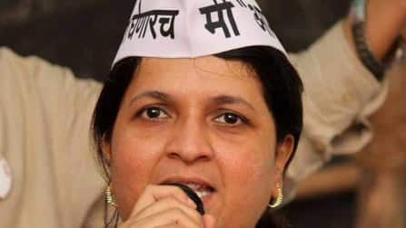 Major blow for Aam Aadmi Party as Politician Anjali Damania quits