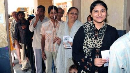 Lok Sabha Polls: Moderate turnout in Baramulla, brisk in Ladakh