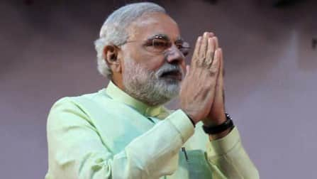 Narendra Modi reaches out to media, promises direct interaction