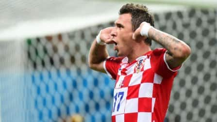 Mario Mandzukic helps Croatia knock 10-man Cameroon out of World Cup