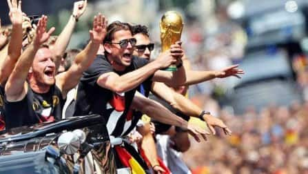 FIFA World Cup 2014 winners Germany get heroes welcome on returning to homeland